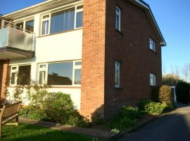 TO LET              Highcliffe Court, Lympstone                                                                      £695.00p.c.m