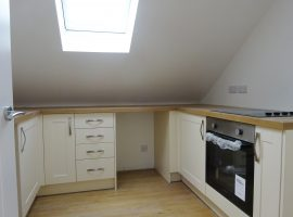 TO LET     Courtlands Cross, Exmouth                                                                   £675.00 p.c.m