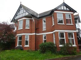 TO LET    Exeter Road Exmouth                                                              £975.00 p.c.m