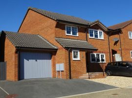 LET  AGREED - Chaucer Rise, Exmouth                                         £1,150 p.c.m.