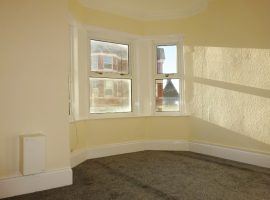 LET AGREED - Two bedroom flat, St Andrews Road                       £675 p.c.m.