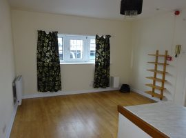 TO LET      St Andrews Road, Exmouth             £565.00 p.c.m Includes water
